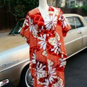 Rare 60s barkcloth Hawaiian kimono dress